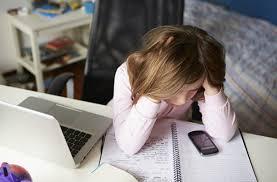 วิธีป้องกันสมองเสื่อมง่าย ๆ ทำงานยุ่งเข้าไว้ ช่วยได้ดีเลย !